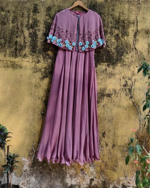 PSL331  Fashion Designer and Brand Priti Sahni 500x625 - Anarkalis and Suits