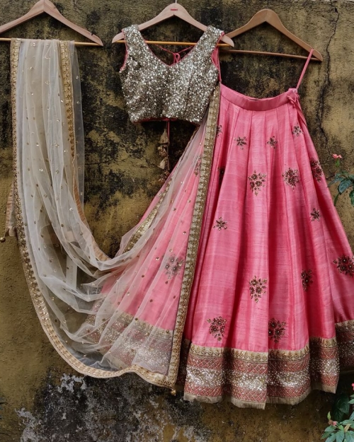 PSL339 1 Fashion Designer and Brand Priti Sahni 500x625 - Lehengas