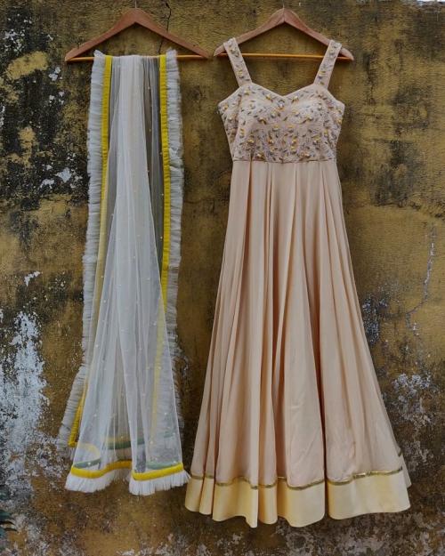 PSL387 1 Fashion Designer and Brand Priti Sahni 500x625 - Anarkalis and Suits