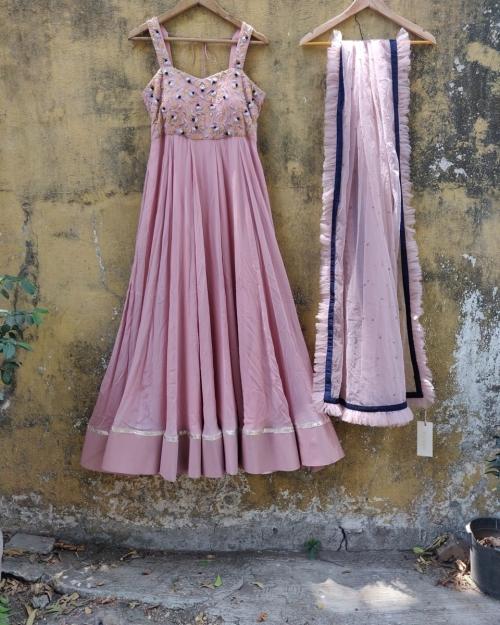 PSL388 1 Fashion Designer and Brand Priti Sahni e1590681187154 500x625 - Anarkalis and Suits