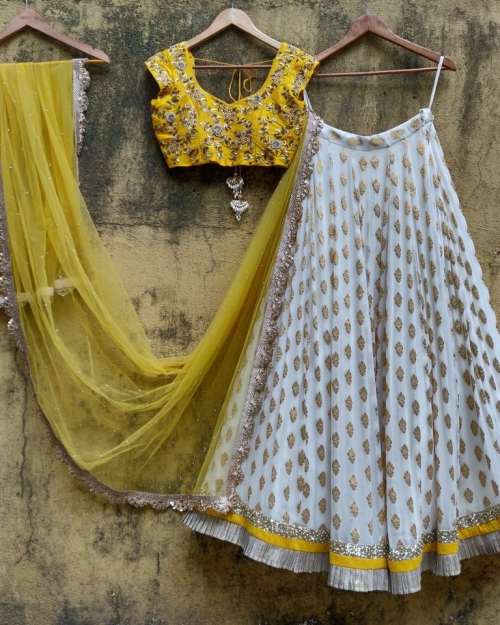 PSL404 4 Fashion Designer and Brand Priti Sahni 500x625 - Lehengas