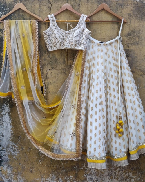 PSL419 1 Fashion Designer and Brand Priti Sahni 500x625 - Lehengas