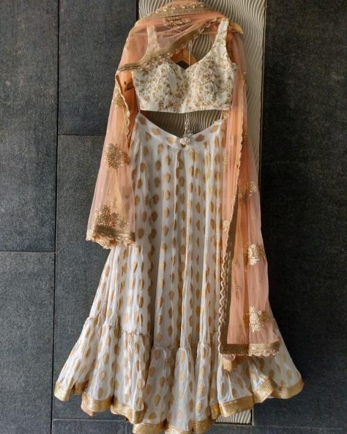 PSL434 1 Fashion Designer Brand Priti Sahni 1 500x625 - Lehengas