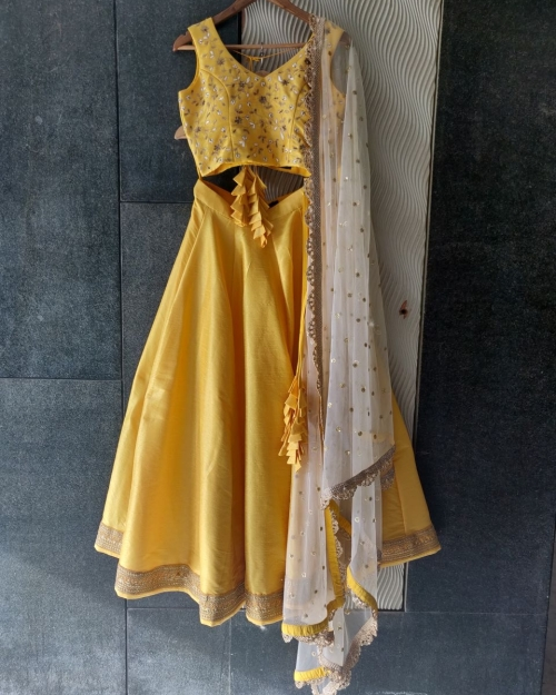 PSL439 1 Fashion Designer Brand Priti Sahni e1589233184513 500x625 - Lehengas