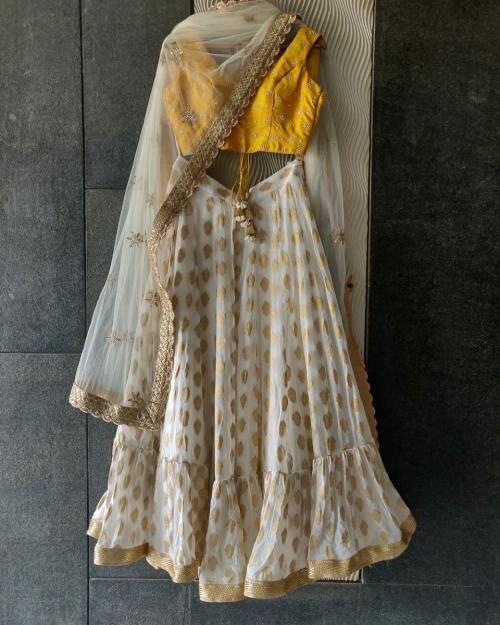 PSL457 1 Fashion Designer Brand Priti Sahni e1589228257955 500x625 - Lehengas