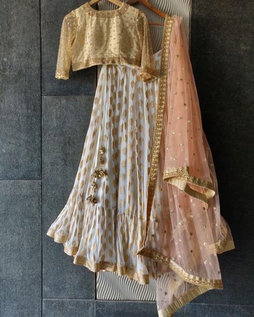 PSL458 1 Fashion Designer Brand Priti Sahni e1589228570414 500x625 - Lehengas