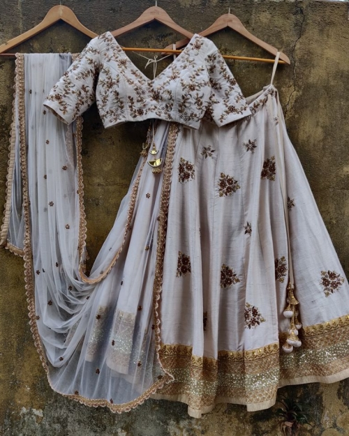 PSL464 2 Fashion Designer and Brand Priti Sahni 500x625 - Lehengas