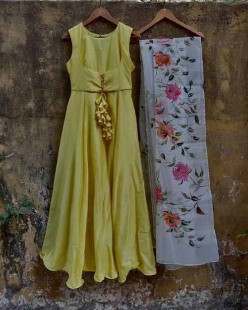 PSL494 1 Fashion Designer and Brand Priti Sahni 500x625 - Anarkalis and Suits