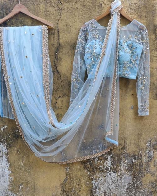 PSS558 1 Fashion Designer and Brand Priti Sahni 500x625 - Sarees