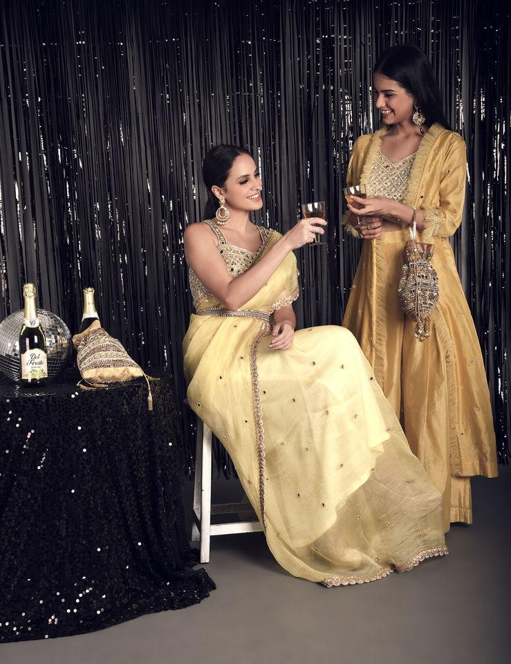 Lemon Yellow Pure Silk Organza Saree with Mirror - Fashion Brand & Designer Priti Sahni 4
