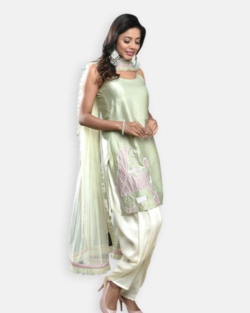 PST30 1 Fashion Designer and Brand Priti Sahni 500x625 - Anarkalis and Suits