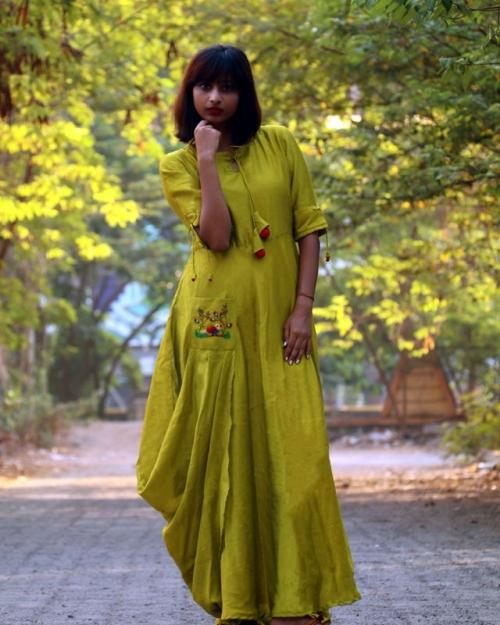 PST10 1 Amota Fashion Designer and Brand Priti Sahni 500x625 - Amota : Handwoven Clothing