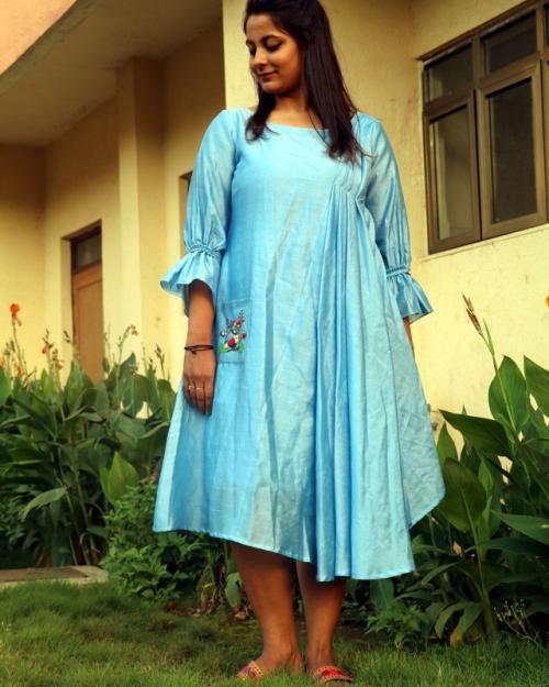 PST11 1 Amota Fashion Designer and Brand Priti Sahni 500x625 - Amota : Handwoven Clothing