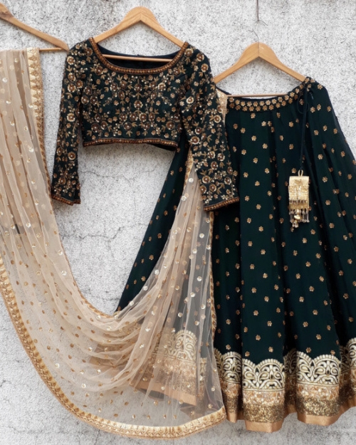 PSL216 1 Fashion Designer and Brand Priti Sahni 500x625 - Lehengas