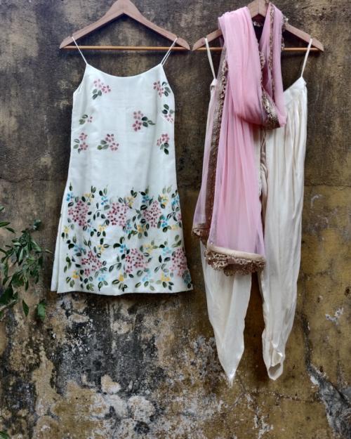 PST35 1 Fashion Designer and Brand Priti Sahni 500x625 - Anarkalis and Suits