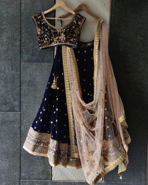 PSL506 1 Top Fashion Brand and Designer Priti Sahni Mumbai India 500x625 - Lehengas