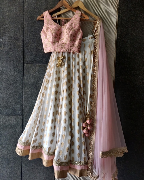 PSL509 1 Top Fashion Brand and Designer Priti Sahni Mumbai India 500x625 - Lehengas