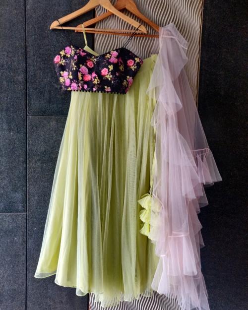 PSL511 1 Top Fashion Brand and Designer Priti Sahni Mumbai India 500x625 - Lehengas