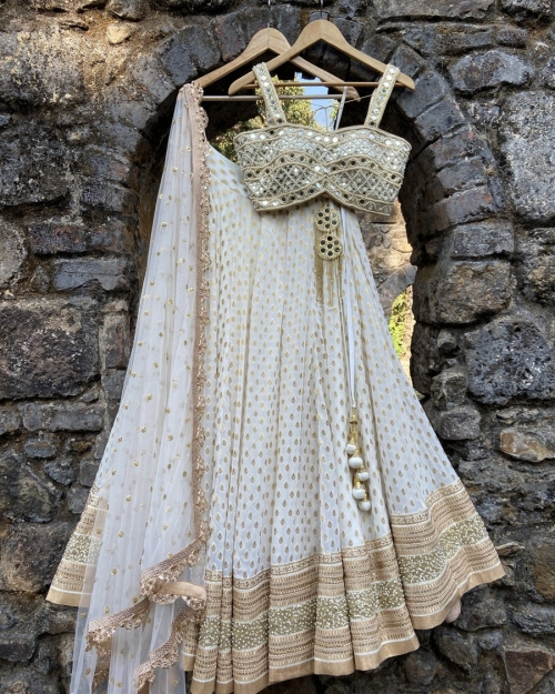 PSL545 1 Top Fashion Brand and Designer Priti Sahni Mumbai India 500x625 - Lehengas